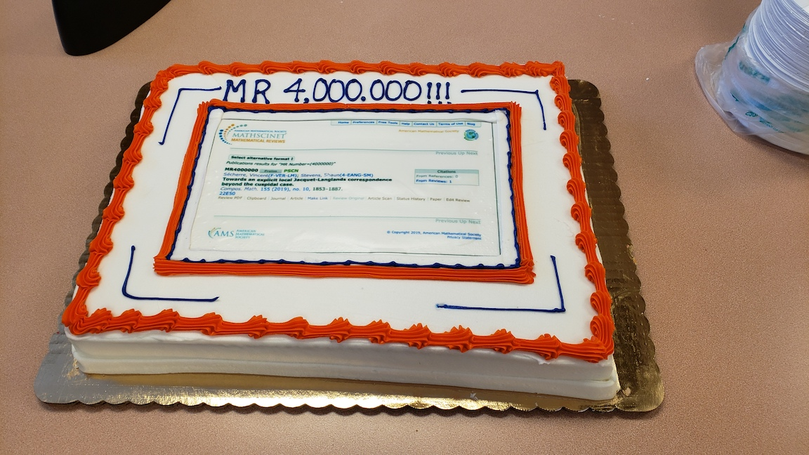 Sheet cake with a screenshot of the MR item #4000000